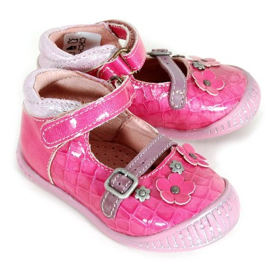 http://www.chausspetons.com/2685-thickbox/babybotte-showbiz-rose-fushia.jpg