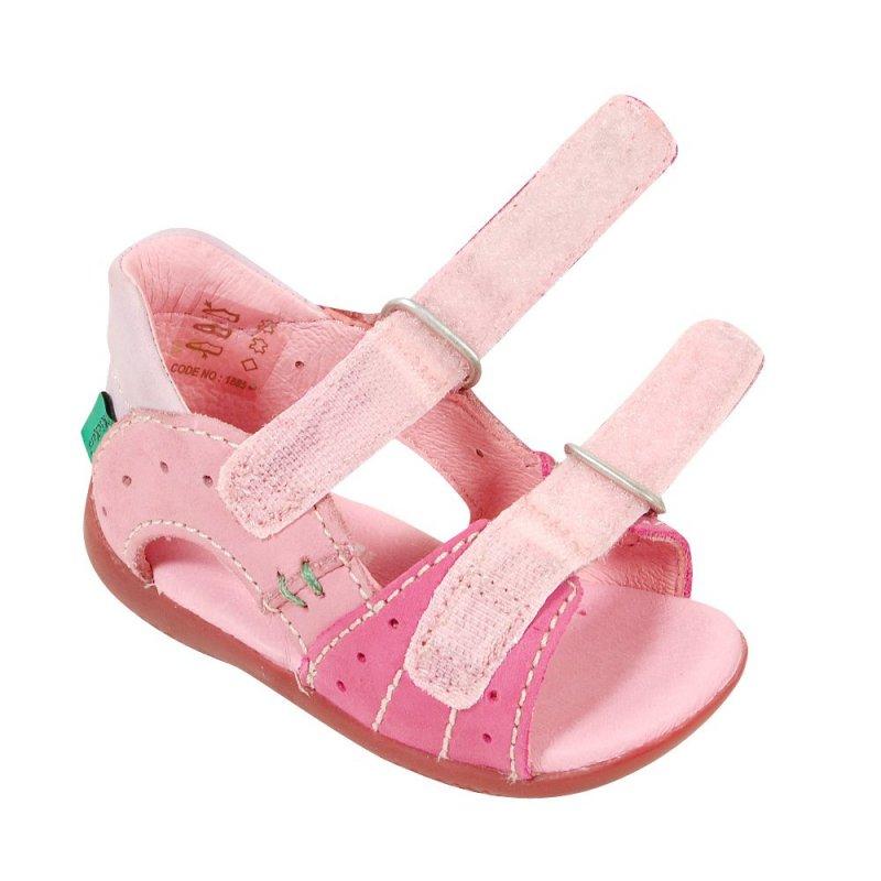 kickers boping rose en cuir sandales b b fille pas cher chaussures b b sur chauss 39 petons. Black Bedroom Furniture Sets. Home Design Ideas