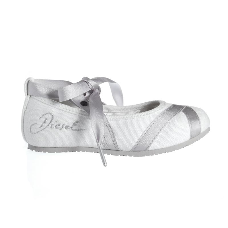 diesel pirouette blanche ballerine pour b b fille. Black Bedroom Furniture Sets. Home Design Ideas